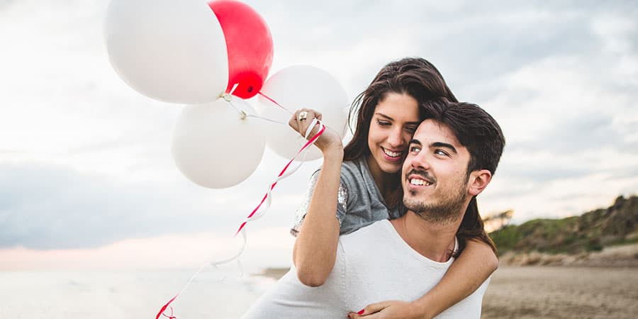 Why Happy Couples Post Less About Their Relationship on Social Media